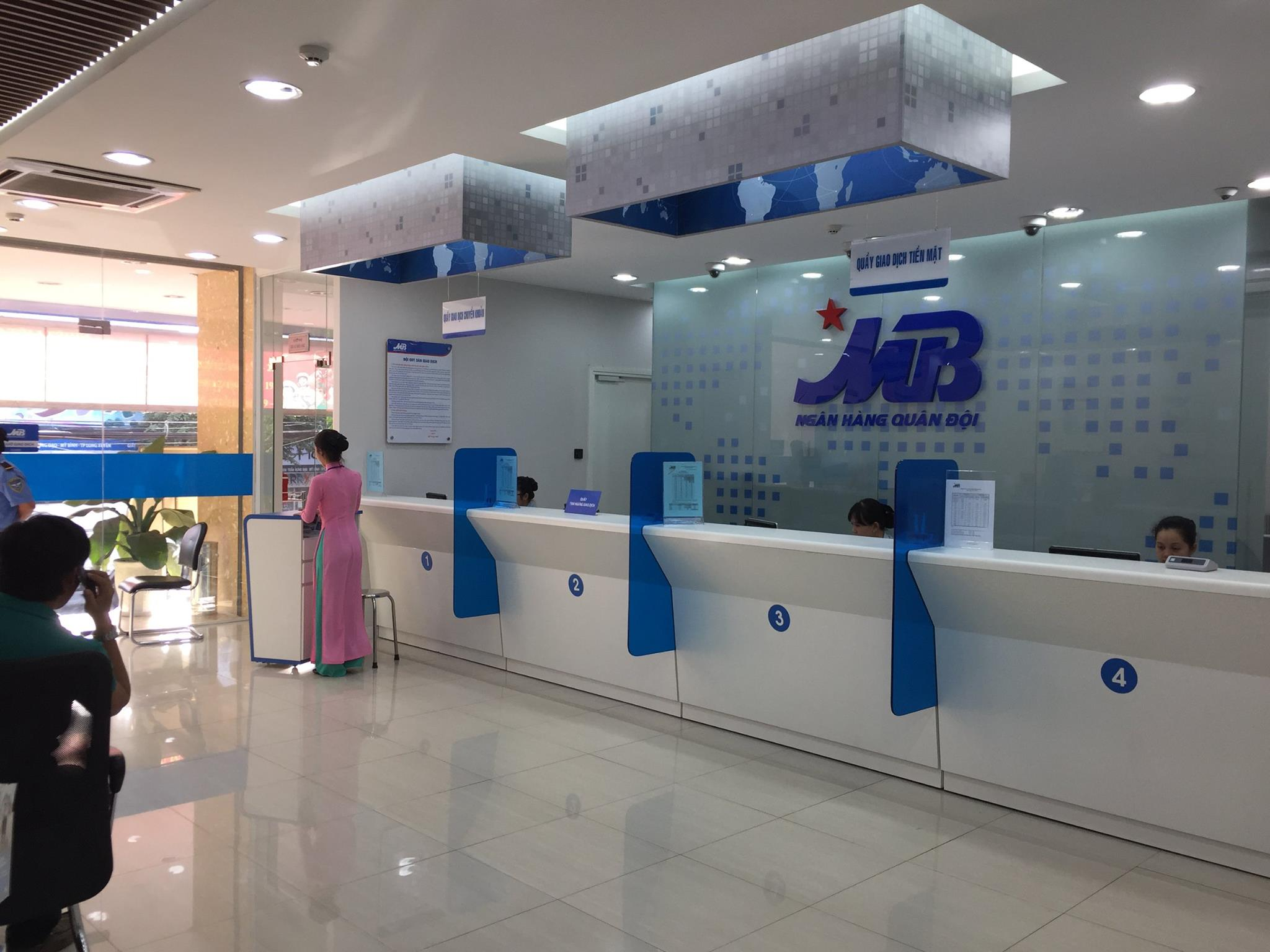 Interior lighting construction of MB Bank